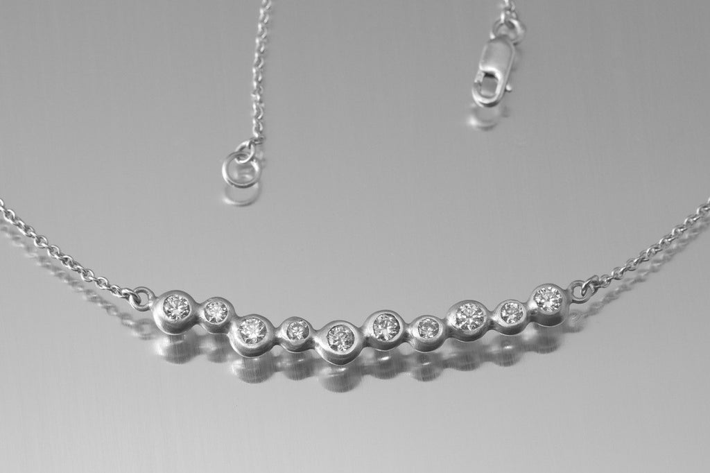 Dewdrop Line Necklace