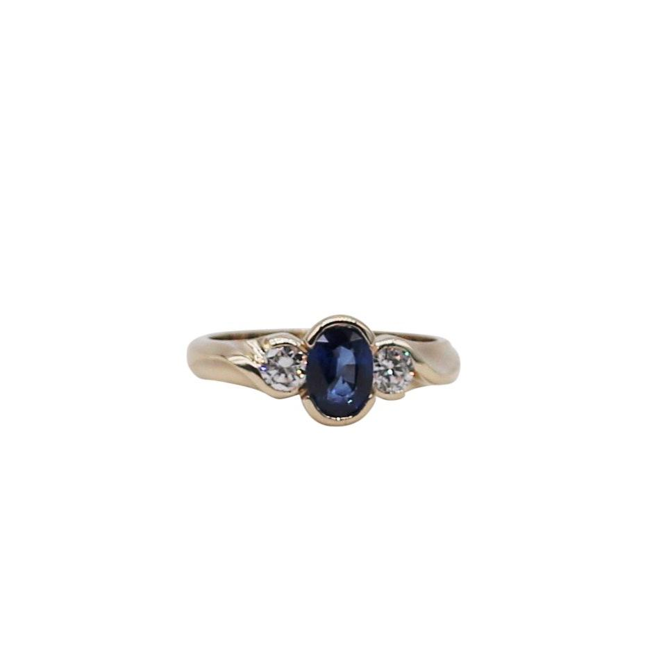Bright Oval Sapphire and Diamond Yellow Gold Ring - Silverscape Designs