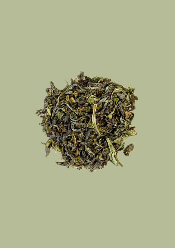 photo of loose leaf organic emerald spring