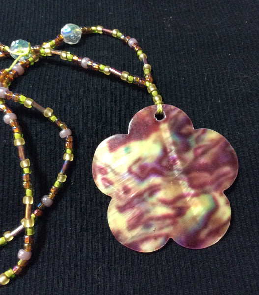 Flower Shaped Mother of Pearl Necklace
