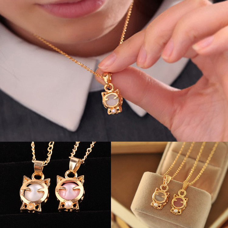 Lucky Cat Shaped Pendent Necklace