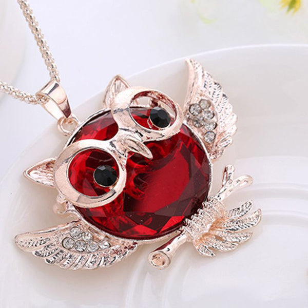 Crystal Wing Temperament Owl Necklace