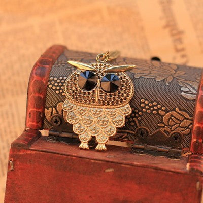 Vintage Pattern Black Gem Eyes Owl Sweater Necklace