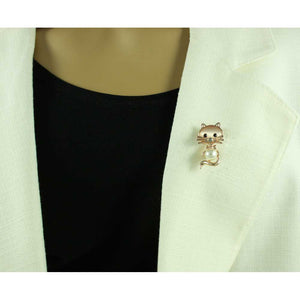 Model with Cute Pearl Belly and Pink Cats Eye Cat Brooch Pin - Lilylin Designs