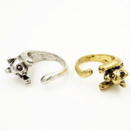 CLINGING KITTEN RING | Animal Jewelry & Cute Gifts - Witty Novelty