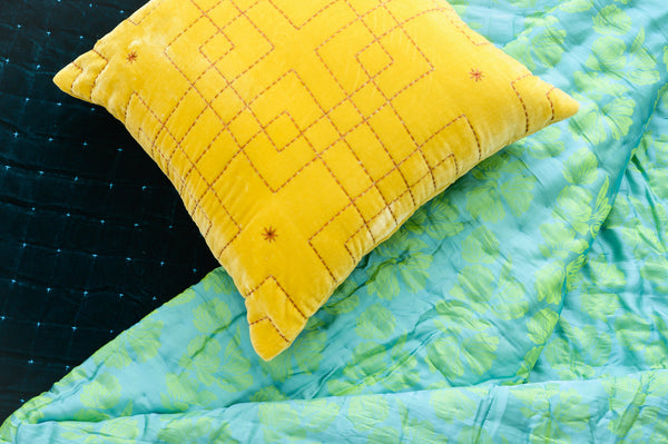 TheAnnamhouse, Homewear, Silk, Velvet, Luxury, Pillow, Throw, Quiltedthrow, Handmade, Handquilted, Beddecoration