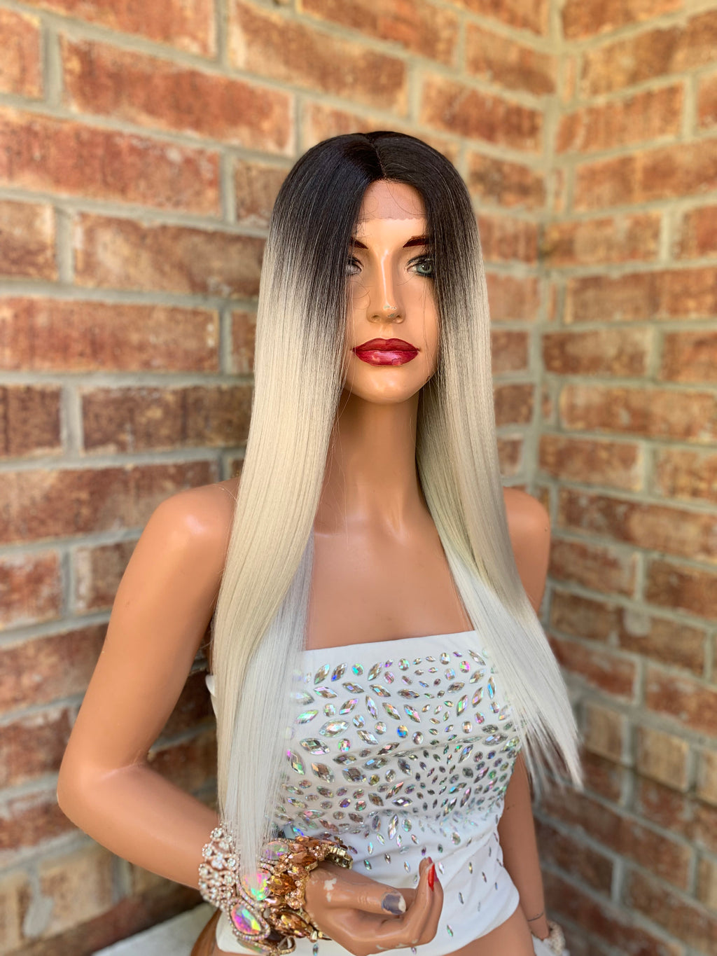 Silver Gray Ombre' Hair Wig | Middle Parting | Chrome 0419