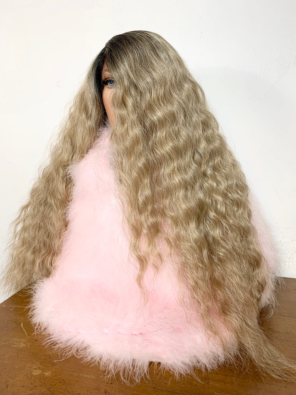 "VINTAGE BLONDY. Perfect waves hair 'Hd lace front wig 26"" long Undetectable + Silky Layers #34 FABULOUS"