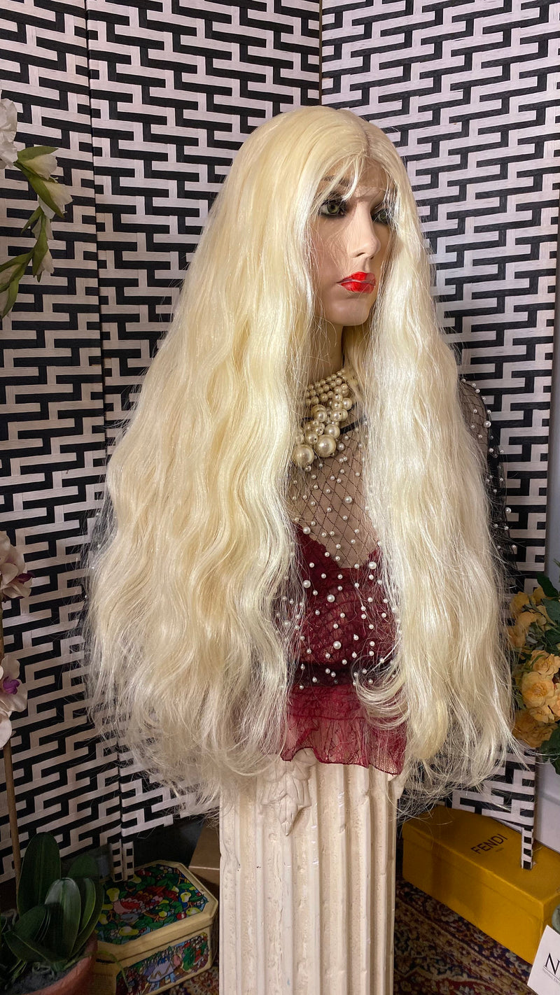 "613 PLATINUM BLONDE 32"" soft body waves