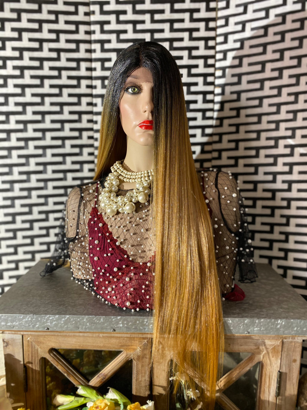 "OMBRÉ HONEY BLONDE 30"" straight layered hair