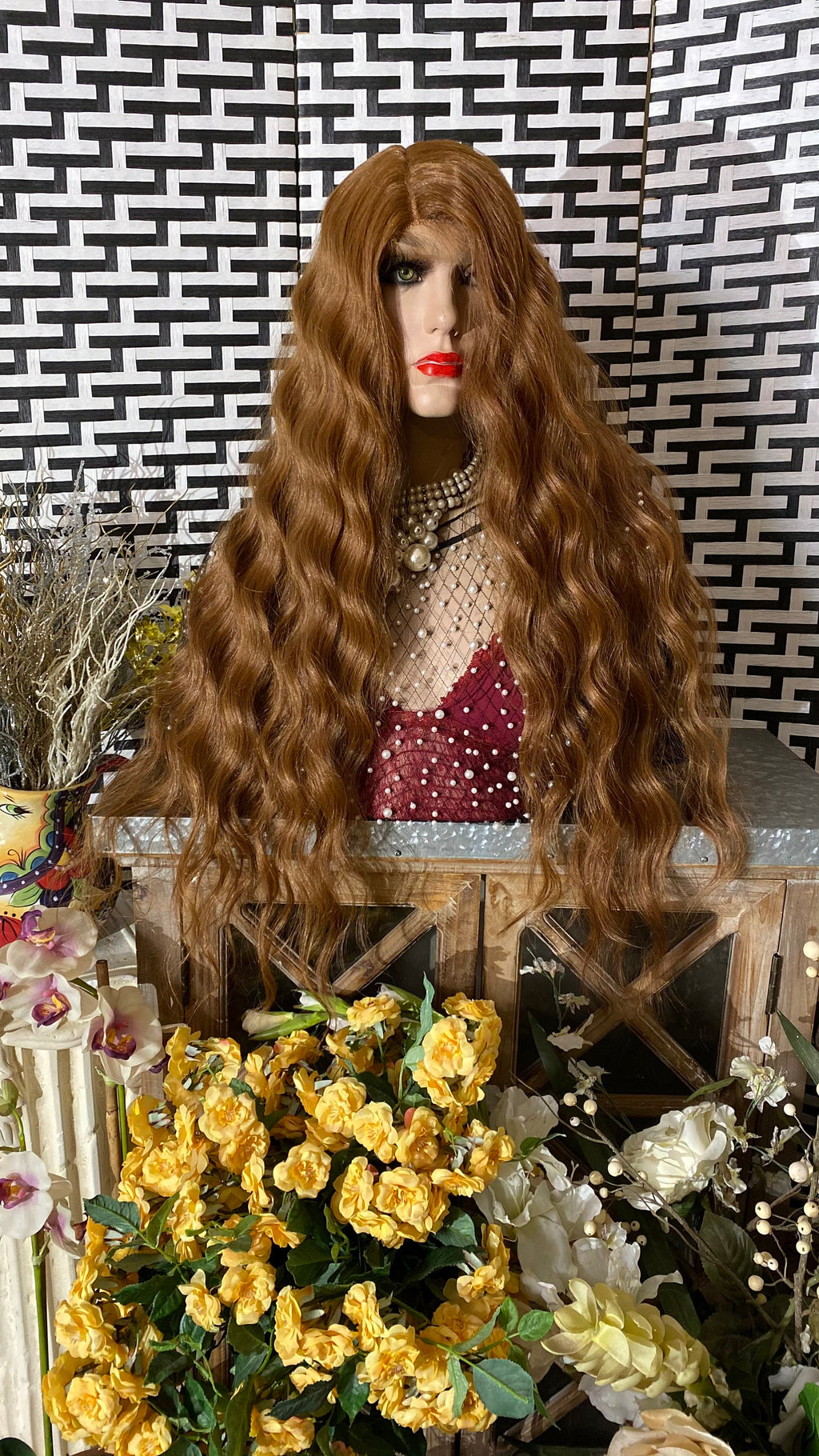 "OMBRÉ HONEY BROWN 30"" wavy layered hair