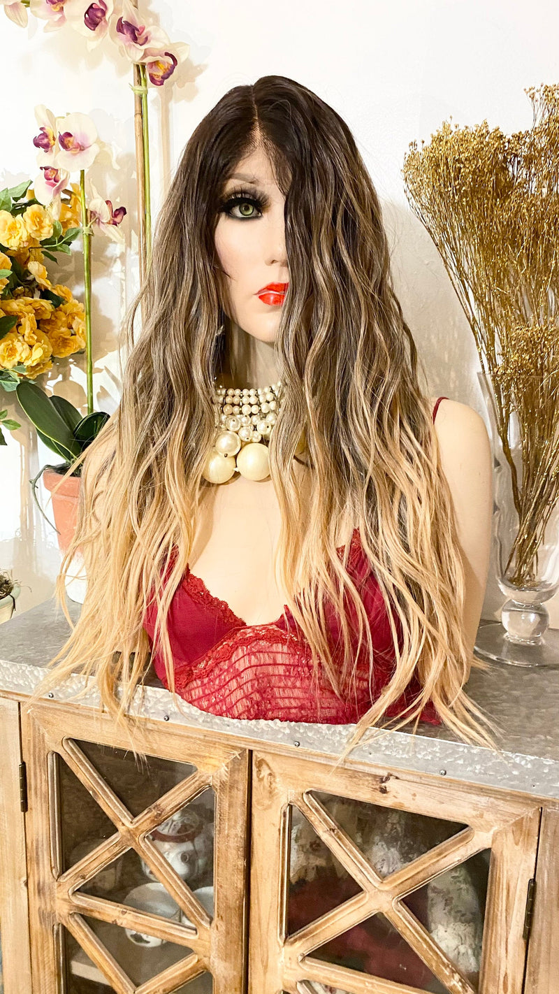 "MARIE |22"" Carmel brown wavy hair