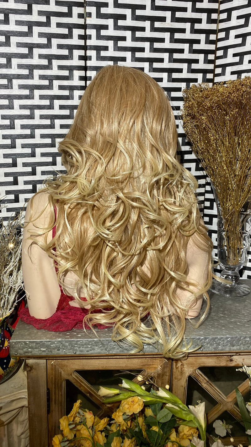 "ELEGANT BLONDE | 26"" Long Body Curly layered Lace Front wig"