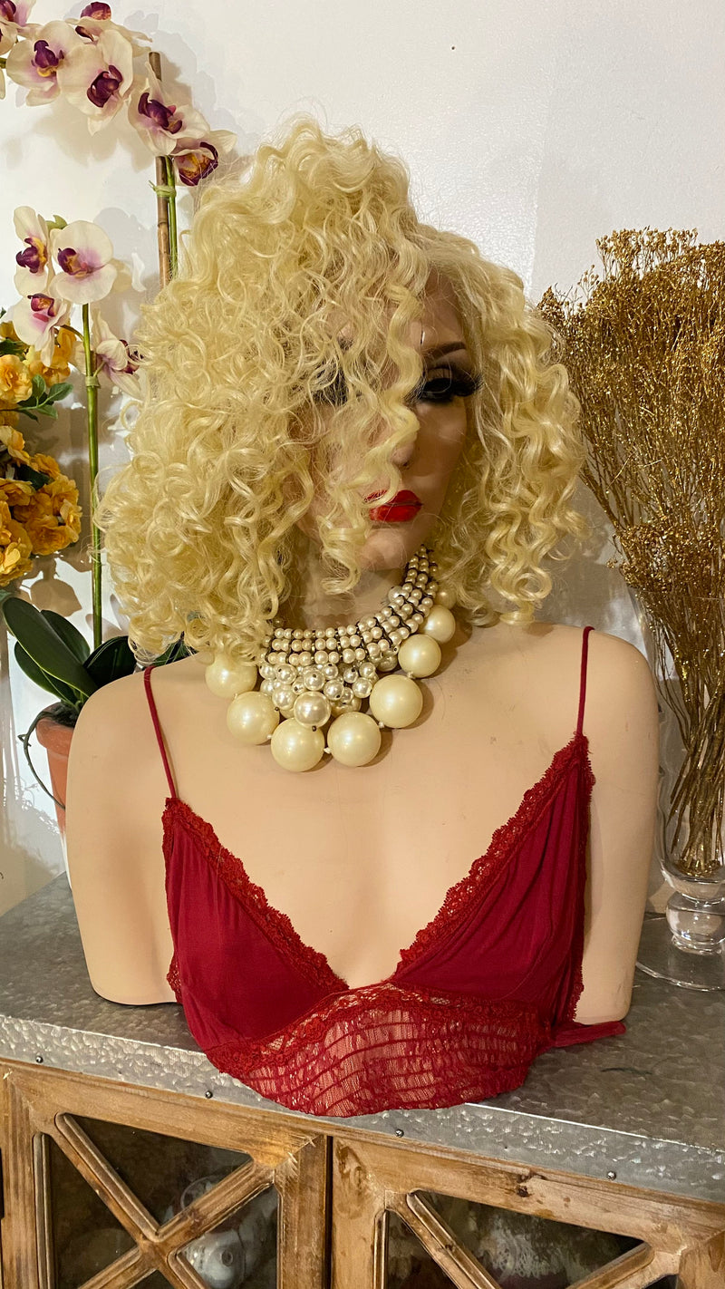 "MARILYN| 10"" 613 blonde ringlet curls hair