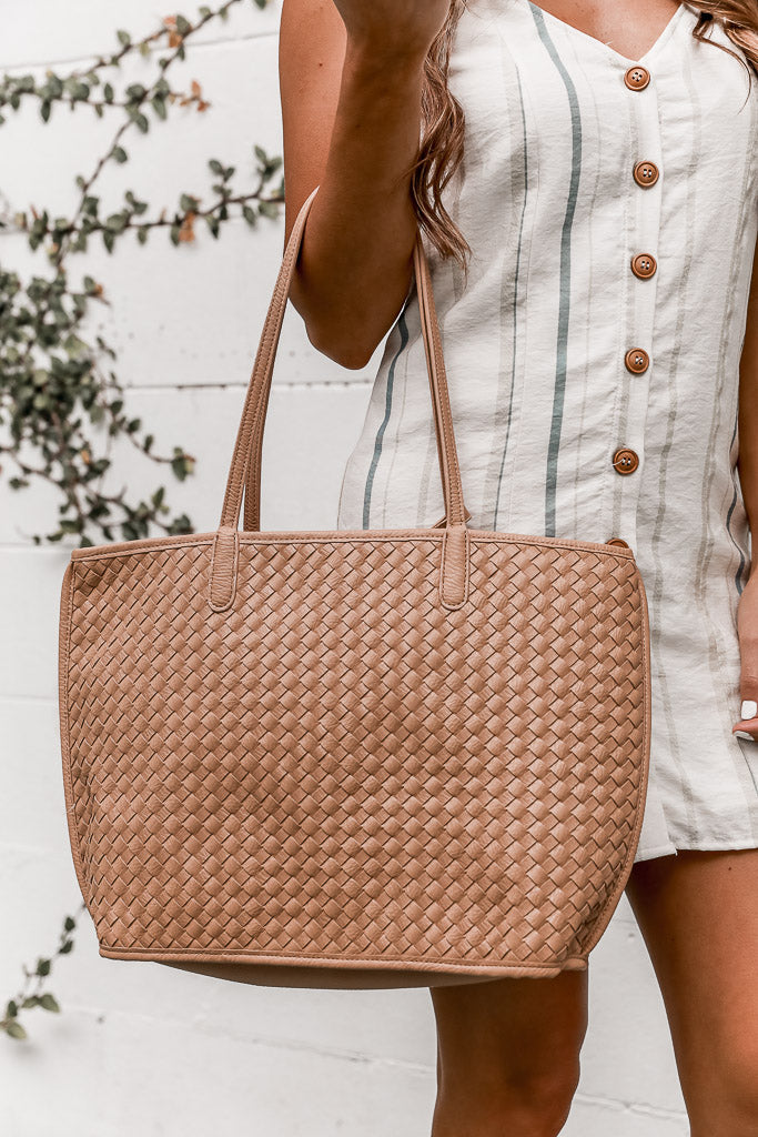 Changing Tides Tote in Beige