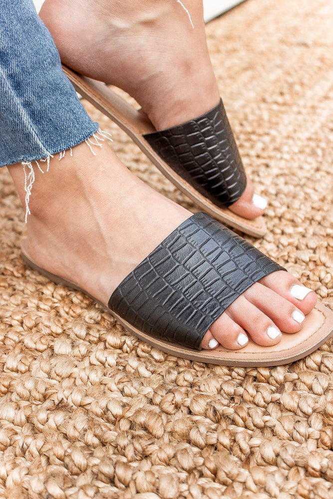 Chinese Laundry: Regina Sandal in Black