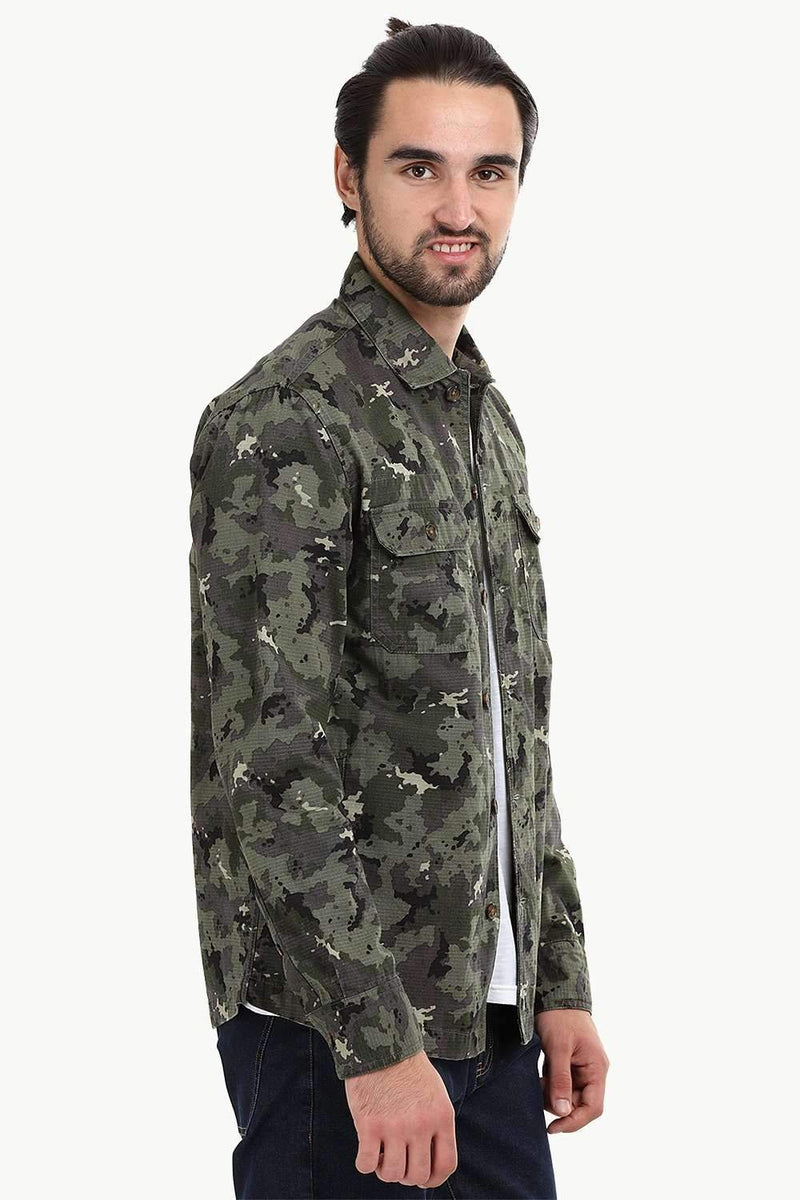 Men's Buttoned Camo Print Shacket