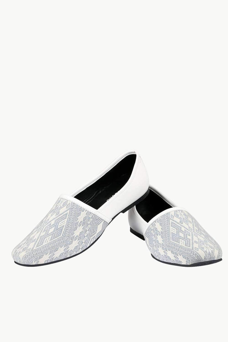 Men's White Jacquard Slip-On Juttis