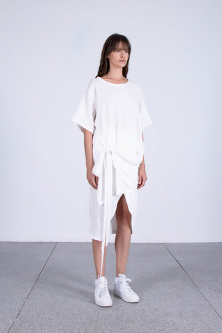 OSKAR white long tee with tie