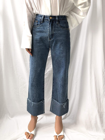 Feminine Presence Cropped Cuffed Denim Jeans in Blue