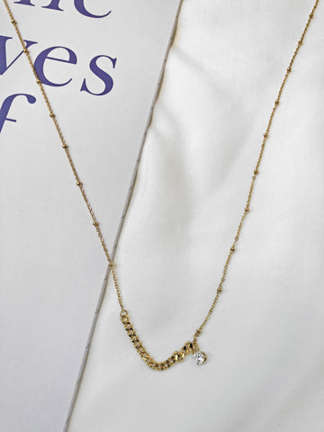 Chance Contrast Chain Necklace w/ Zircon Necklace