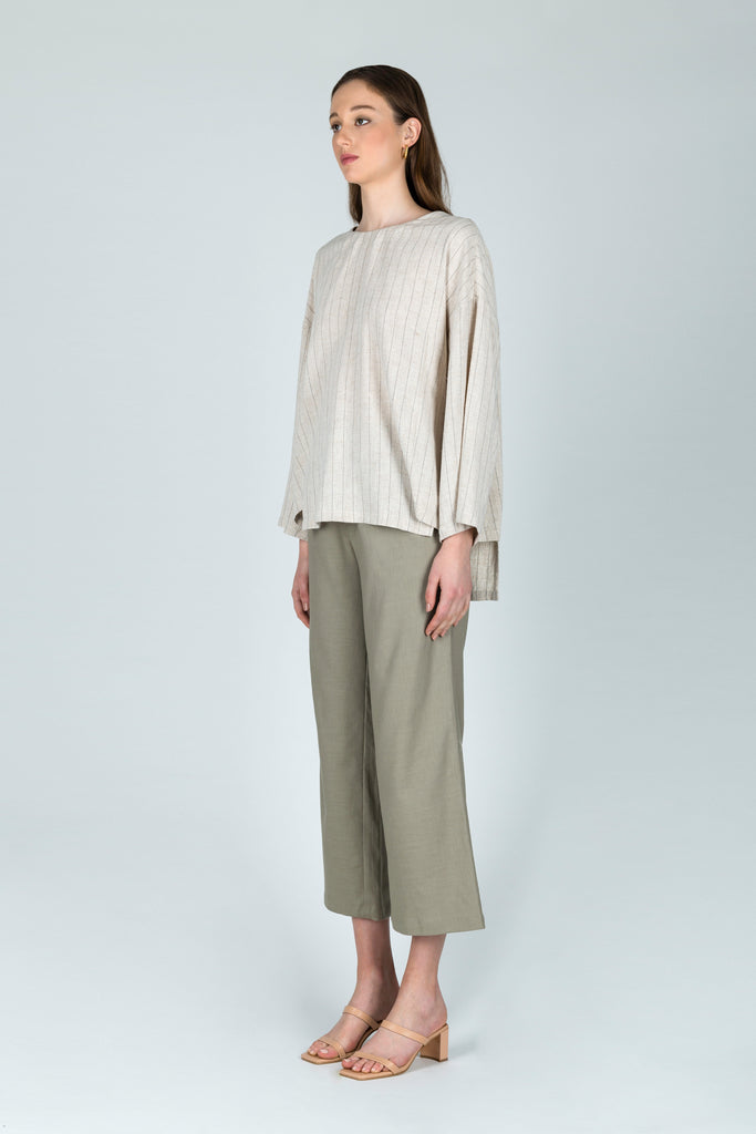 Ambivalence Relaxed Linen Trousers in Green