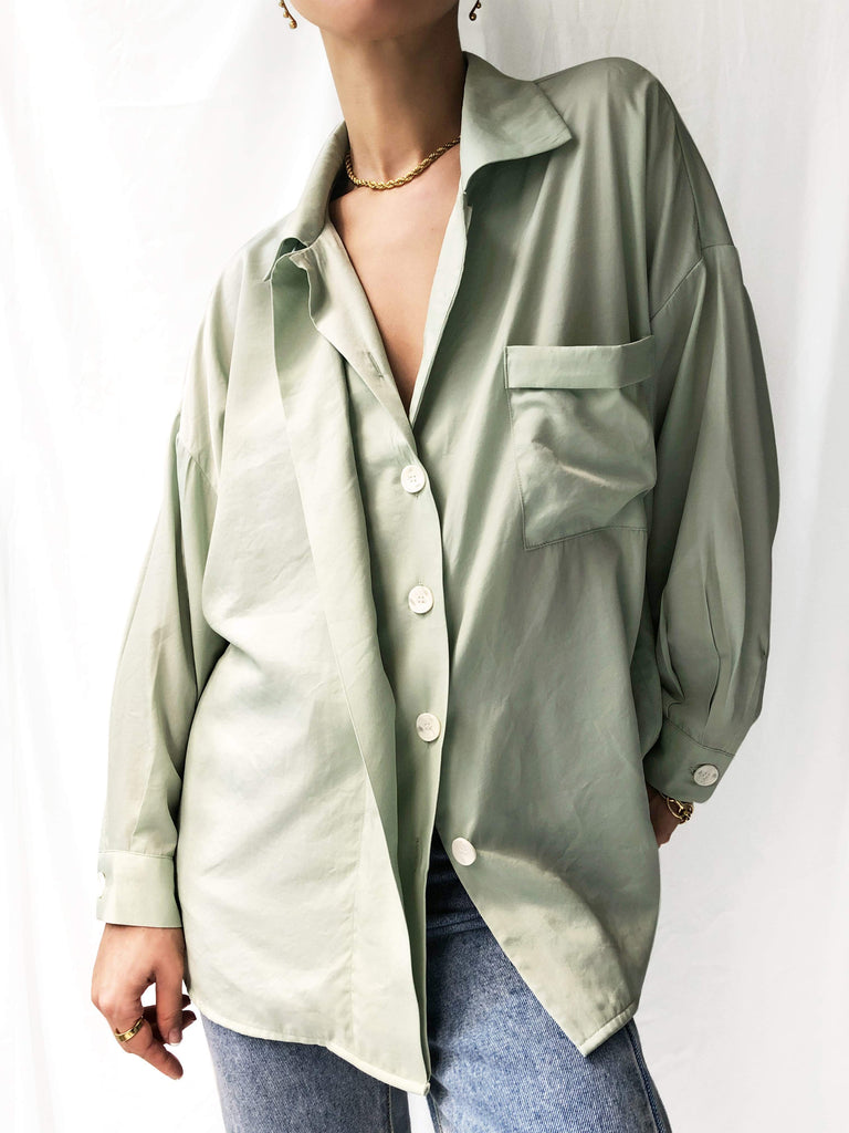 Lucidity Tencel Boyfriend Shirt in Pistachio