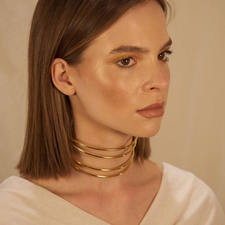 Linear choker - Designed in London