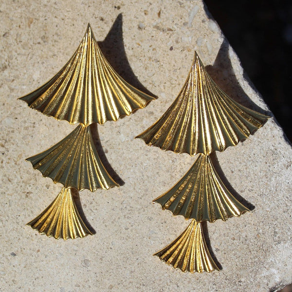 Pleated drop earrings