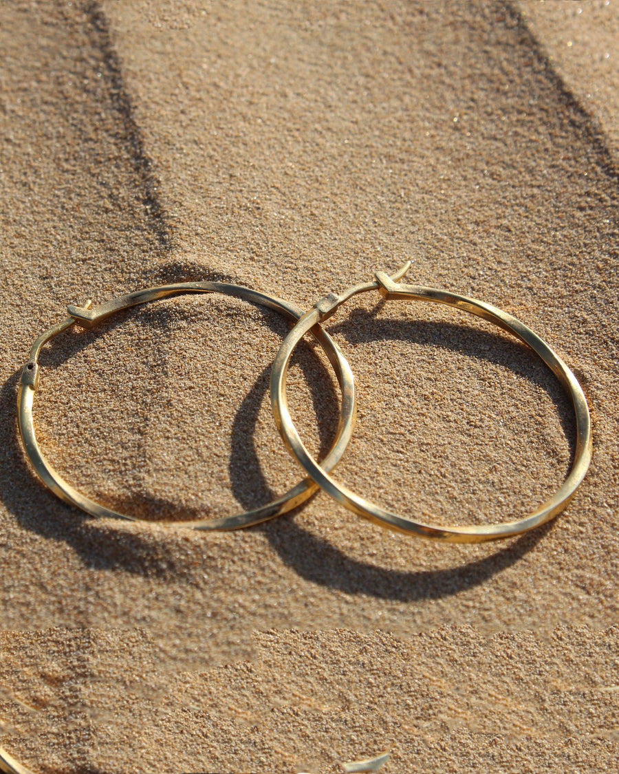 Twisted Hoops medium - 24 karat gold