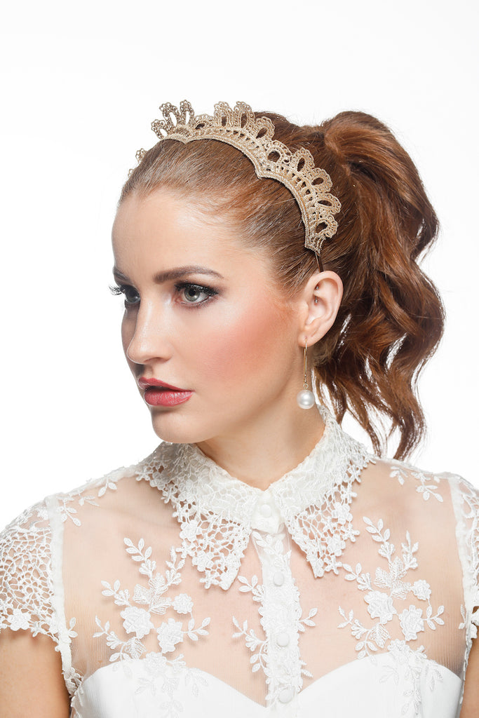 Zoe Lace Crown