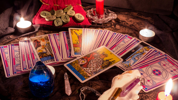 Tarot Vs Oracle - Which is right for you?