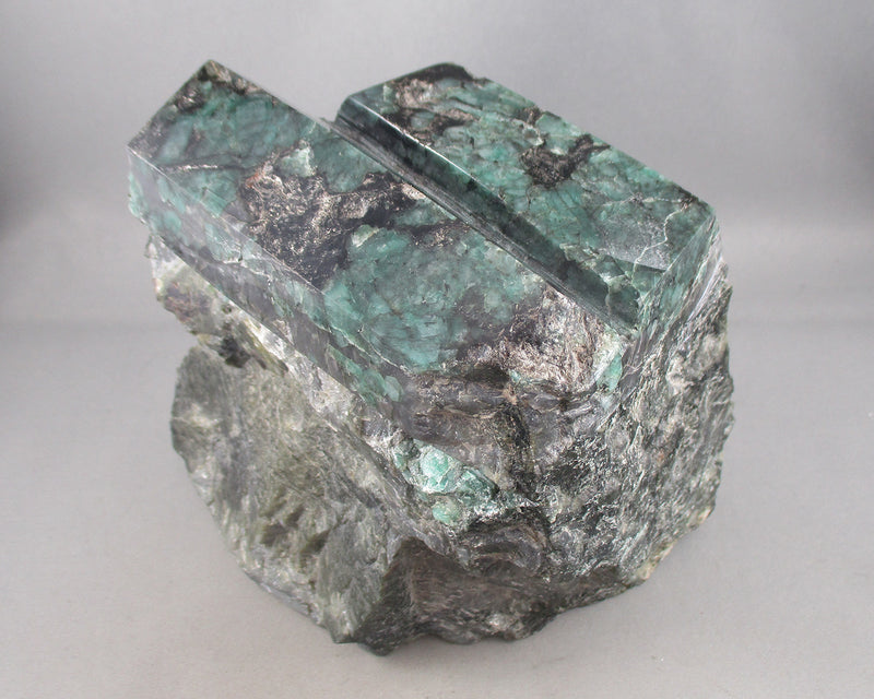 Emerald Crystal Raw (Large) 1pc (E002-2)