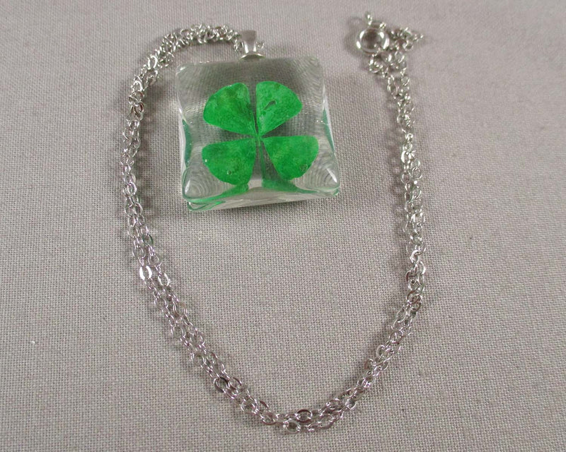 Four Leaf Clover Pendant Necklace (2085)