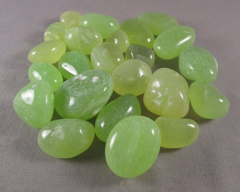 Parrot Green Onyx Polished Stones 5pcs T414