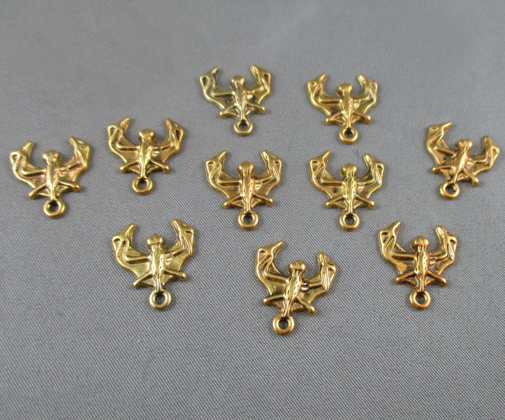 Bat Charm Gold Tone 20pcs (0046)