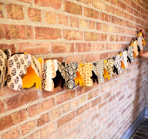 Three dimensional butterfly garland