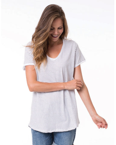 FUNDAMENTAL VEE STRIPE TEE