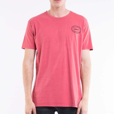 Vacant Tee Red