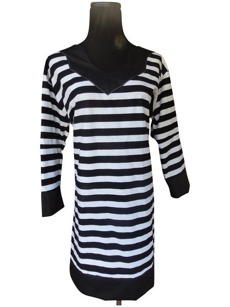 Chic Black Stripe Tunic Dress with 3 Quarter Sleeves