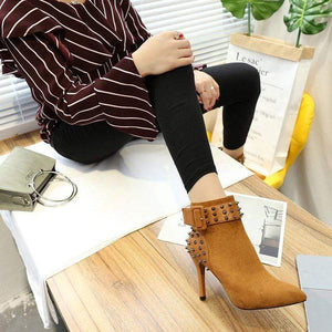 Pointed Toe Spiked Ankle High Heels (brown)