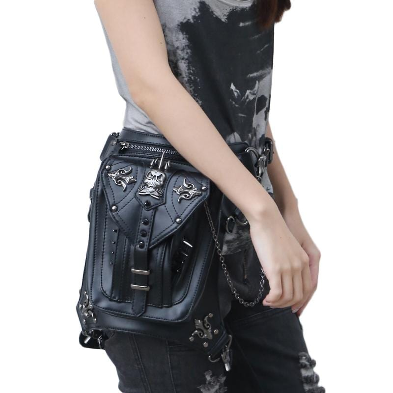 Skull Rivet Messenger Bag