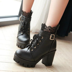 Stylish Lace High Heel Boots (black)