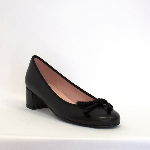 Pretty Ballerinas Women's Joanna In Black Heels PRETTY BALLERINAS