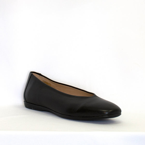 Wonders Women's A-8601 Flat in Black Flats WONDERS