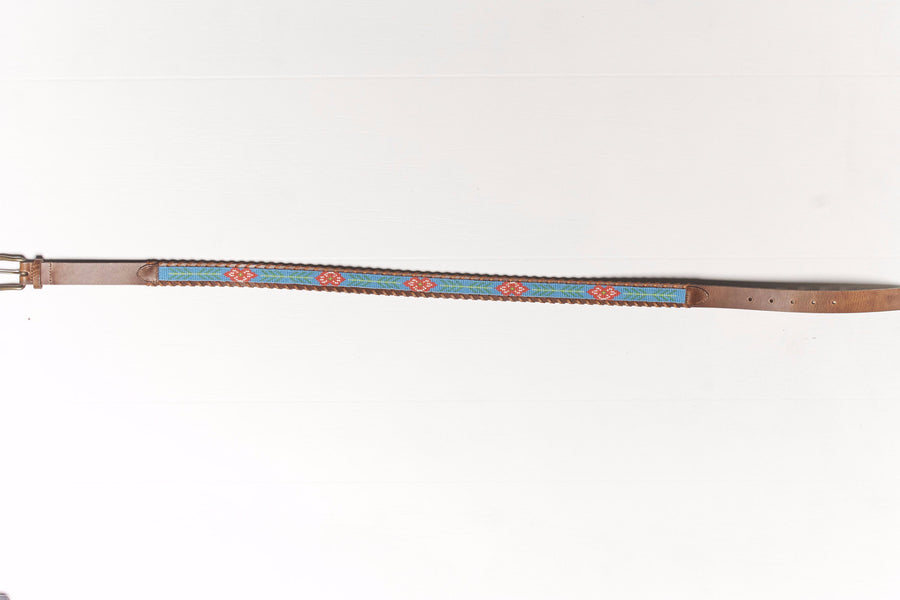 Hibiscus beaded Camp belt close