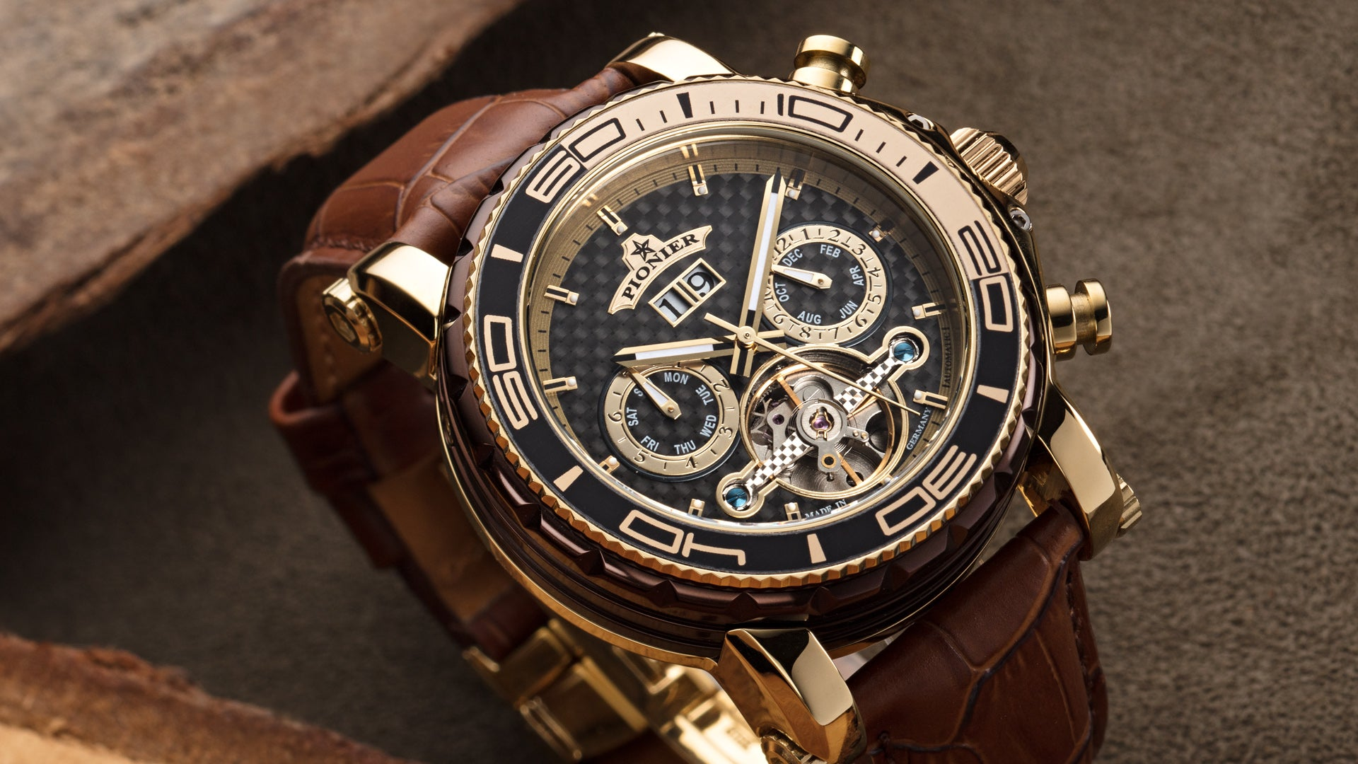 CAN I SHOWER IN MY MECHANICAL WATCH?