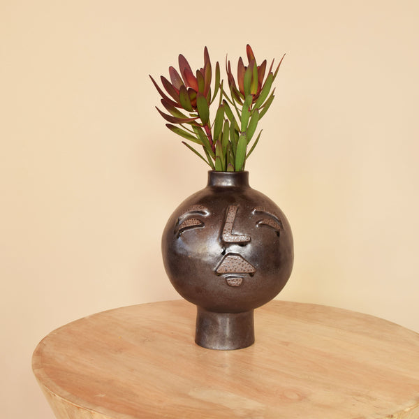 Face Vase is the Place