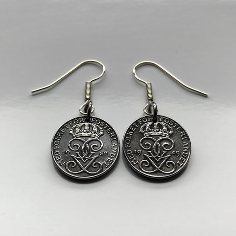1949 1950 Sweden 1 Ore coin earrings Swedish crowns initial G Tre Kroner Stockholm Örebro Nordic Swedes Svear Svealand Scania Blekinge Linköping e000254