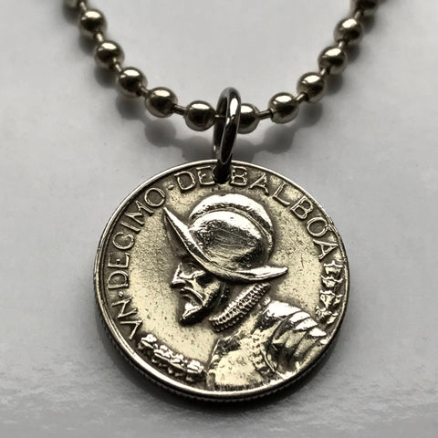 1993 Panama 1/10 of a Balboa coin pendant armored helmet Vasco Núñez de Balboa spanish explorer Panamanian necklace n000260